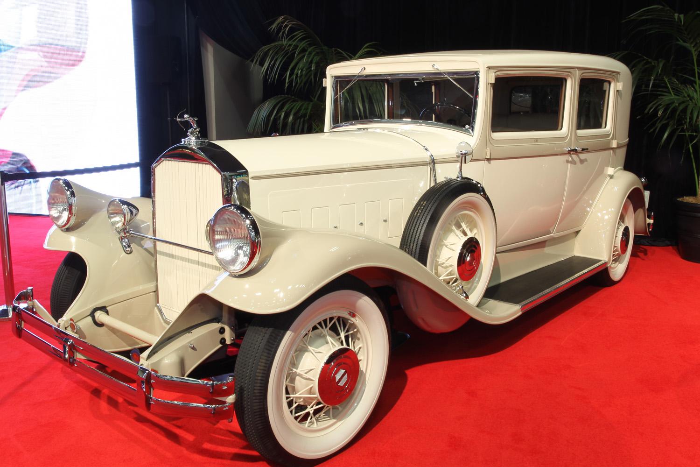 1931 Pierce-Arrow Model 43 Club Sedan