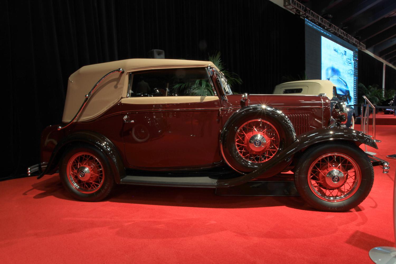 1932 Ford V8 Convertible Victoria