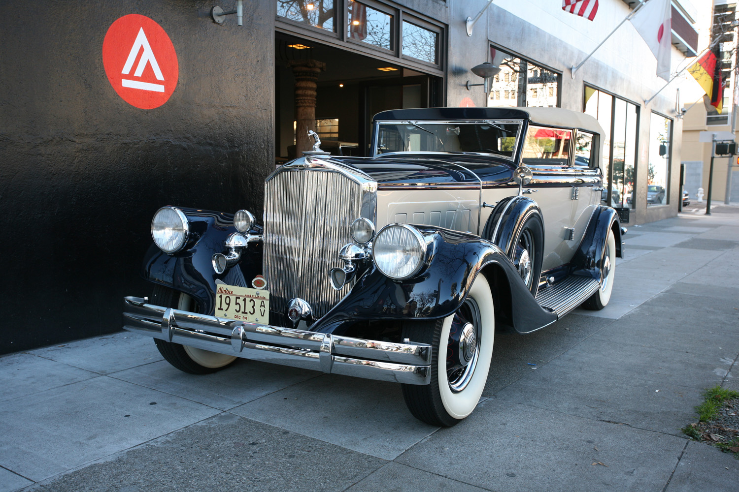 1933 Pierce Arrow 12 Convertible Sedan