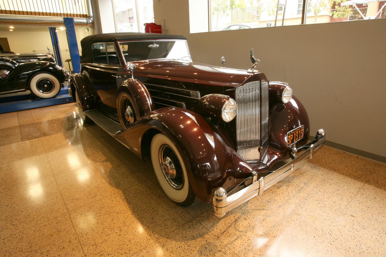 1935 Packard Model 1207 Victoria 12