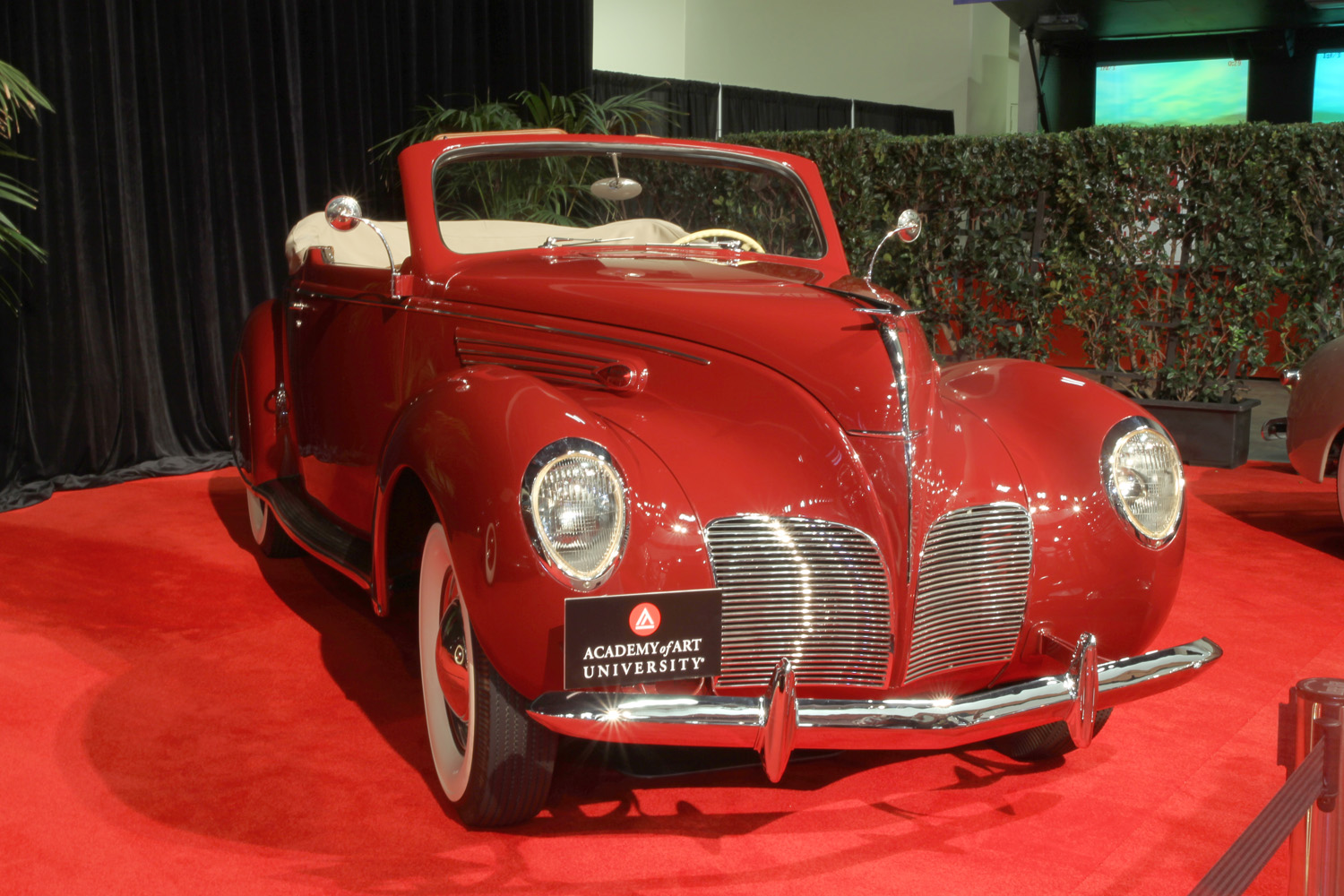 1938 Lincoln Zephyr Convertible Coupe